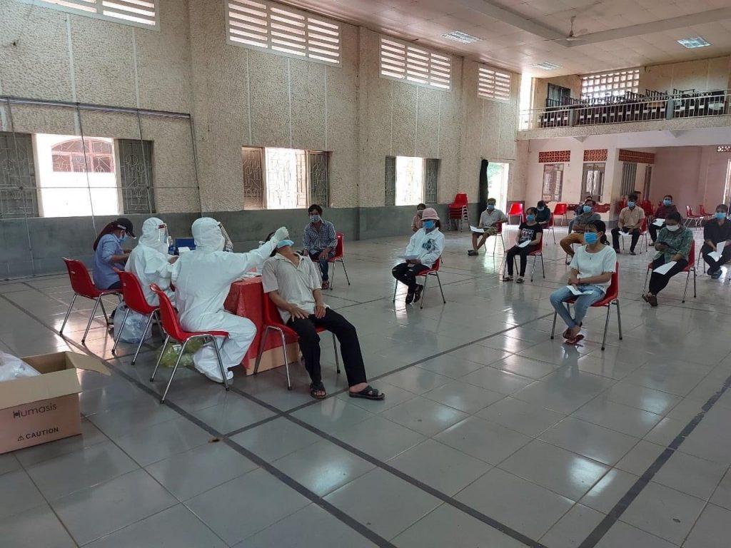 TCT phối hợp với Bệnh viện đa khoa Cao su Đồng Nai test nhanh Covid – 19 cho NLĐ trong những ngày gần đây